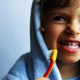 dente-crianca-escovadedente